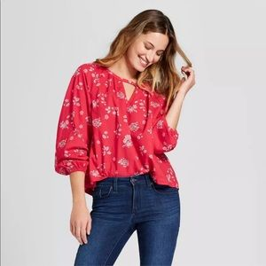 Universal Thread Flowy Red Floral Print Top Size M